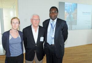 Her ses Erik Nørgaard sammen med secretary at NNE Pharmaplan, Aura Adriana Vilhelmsen og Dr. Mapoko Mbelenge Ilondo (foto: Hasse Ferrold)