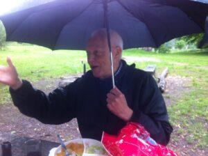 Sommersafarien blev også ramt af et par regnbyger. Det var selskabet kasserer, Peter Schønsted, dog forberedt på.