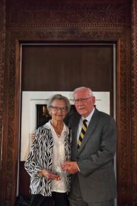 Nanna Konnild, hustru til selskabets stifter Jonas Konnild, deltog også i selskabet 49. generalforsamling. Her fotograferet sammen med selskabets nuværende præsident - Erik Nørgaard (foto Anders Nielsen)