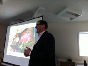 Kenneth Luciani fortalte bl.a. om virksomhedens kaffeplantage i Tanzania.